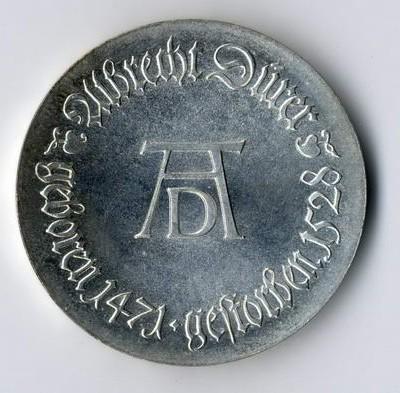 Münzen aus dem Kaiserreich und der DDR werden täglich in Deutschland vererbt.