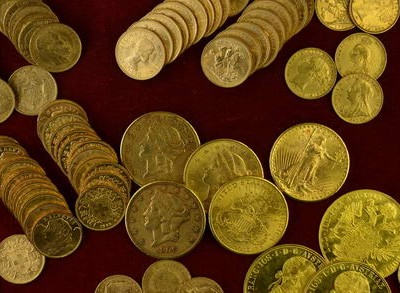 Torsten Hornung bewertet umfangreiche Goldmünzensammlungen.