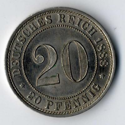 In Wiesbaden werden Kleinmünzen begutachtet.
