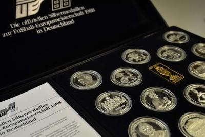 Bewertung von Medaillen in Wiesbaden