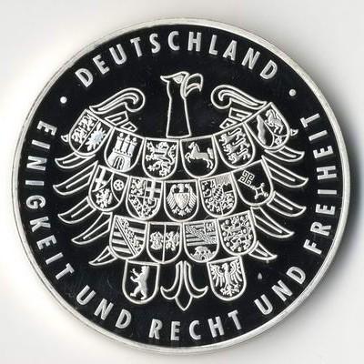 Silber- und Goldmedaillen, gerne auch ganz Sammlungen werden im Fachgeschäft in Wiesbaden übernommen.