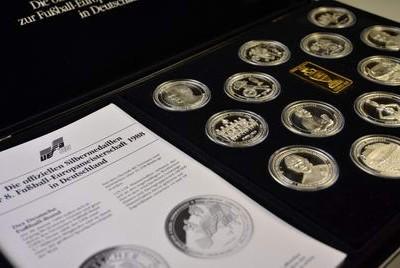 Medaillen und Münzensammlungen von MDM begutachtet Torsten Hornung in Wiesbaden.