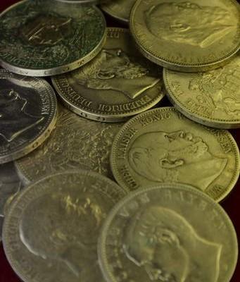 Ein fachkundige Bewertung von Münzen aus dem Kaisereich erfolgt in Wiesbaden.