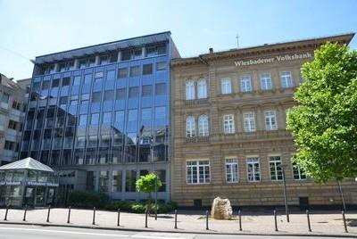 Erfolgreiche Zusammenarbeit zwischen dem Münzenhändler und der Wiesbadener Volksbank.